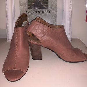 Nine West Brown Leather Ankle Booties